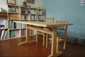 T字脚ダイニングテーブル