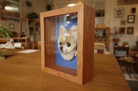 羊毛フェルト・キーホルダーを飾る箱型の額縁