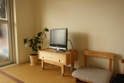 majakkaの小さなテレビボード