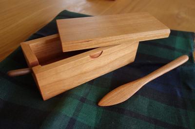 majakka・無垢の木・ブラックチェリーのバターケース